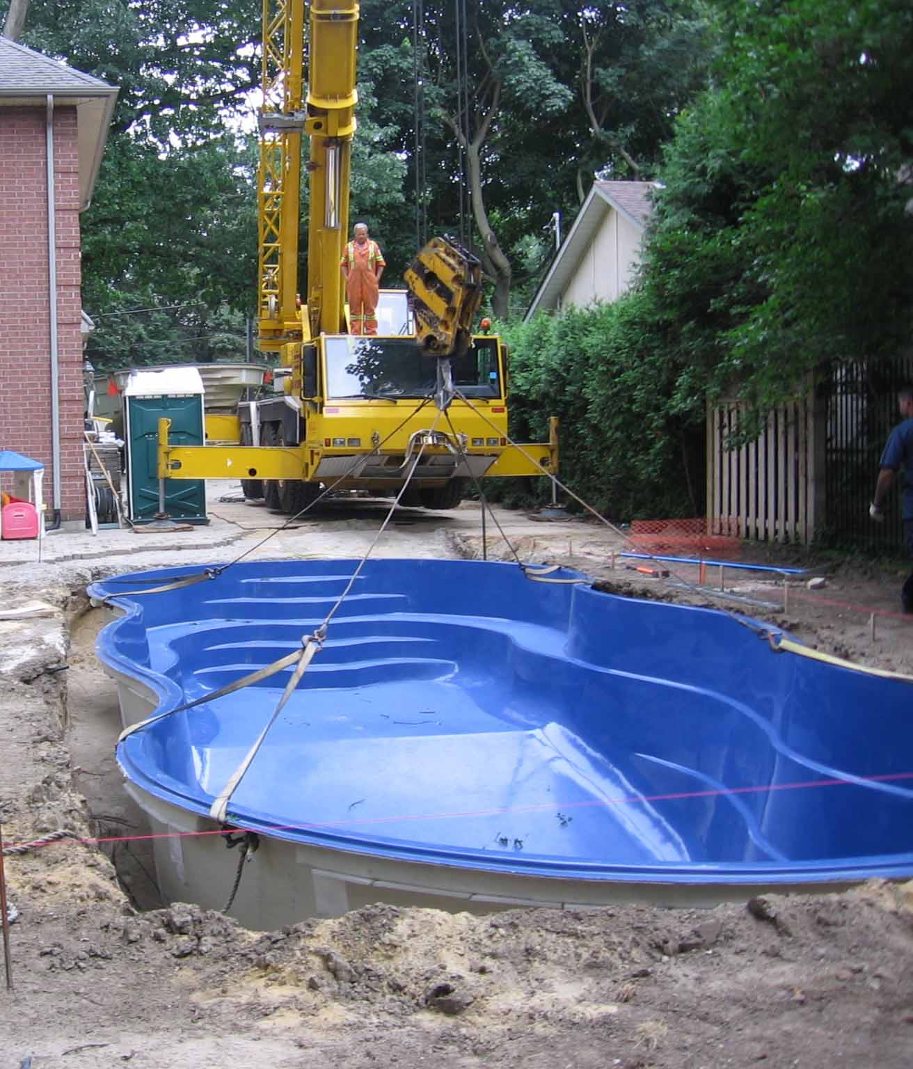 Choosing the Right Pool Contractor