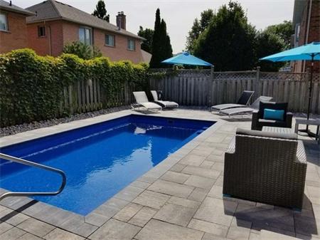 Toronto-Fiberglass-Pool-1